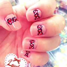 Minie Mouse Bow Nails