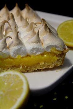 Kakkuviikarin+vispailuja!:+Sitruunapiirakka No Bake Cake, Food And Drink, Pie, Cupcakes, Baking, Desserts, Lemon Tarts, Torte, Tailgate Desserts