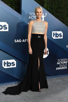 Nejkrásnější róby na SAG Awards Jennifer Garner, Jennifer Aniston, Jennifer Lopez, Charlize Theron, Strapless Dress Formal, Prom Dresses, Formal Dresses, Renee Zellweger, Alexis Bledel