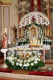 Podobny obraz Table Settings, Table Decorations, Religion, Furniture, Home Decor, Fashion, Floral Arrangements, Wedding, Decorations