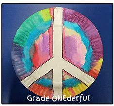 Grade ONEderful: Peace Plate Craft Remembrance Day Remembrance Day art ideas, writing freebie and clipart. Kindergarten to Grade Remembrance Day Activities, Remembrance Day Poppy, Harmony Day Activities, Art Activities, Poppy Craft For Kids, Art For Kids, Paper Plate Poppy Craft, Peace Crafts, International Day Of Peace