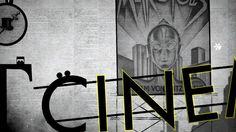 Plongez dans une aventure unique et fascinante pour découvrir les secrets de la typographie!  Voyagez à travers l'univers des polices de caractères dans la peau de deux points: « :  ».  De la peinture préhistorique jusqu'au Pixel art des années 2000, résolvez les énigmes en chevauchant les polices les plus populaires (Garamond, Helvetica, Times New Roman, Pixel, Comic Sans...) dans un univers graphique et so…