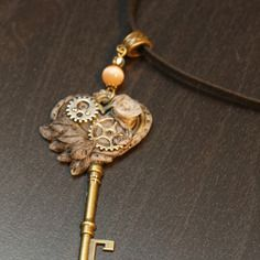 Collier steampunk vintage clé
