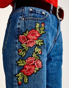 Mom jeans with pink patches - PULL & BEAR UK.