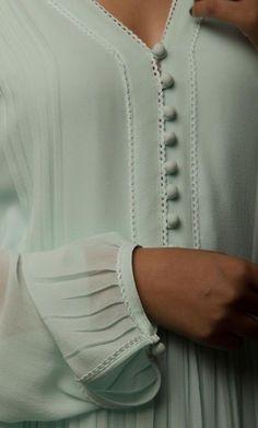 rosegal - Her Crochet Kurti Sleeves Design, Sleeves Designs For Dresses, Kurta Neck Design, Neck Designs For Suits, Neckline Designs, Dress Neck Designs, Sleeve Designs, Blouse Designs, Pakistani Fashion Casual