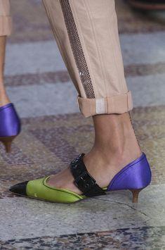 Bottega Veneta at Milan Fashion Week Spring 2018 - Details Runway Photos