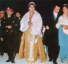 cotilleando:  Empress Farah, King Baudouin and Queen Fabiola of Belgium, Iran, Persopolis Celebration (2500 years of Iran), 1971