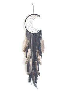 Diy Dream Catcher Designs Moon Dreamcatcher Ideas For 2019 Los Dreamcatchers, Moon Dreamcatcher, Dreams Catcher, Craft Projects, Projects To Try, Diy And Crafts, Arts And Crafts, Creation Deco, Ideias Diy