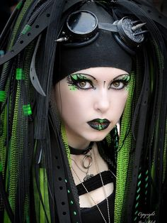 green eye makeup gothic designs Gothic Eye Makeup Ideas Pictures