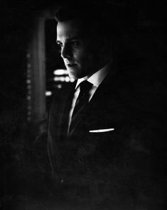 Discover & share this Harvey Specter GIF with everyone you know. Serie Suits, Suits Tv Series, Suits Tv Shows, Harvey Specter Suits, Suits Harvey, Christian Grey, Suits Usa, Gabriel Macht, Gentleman Quotes