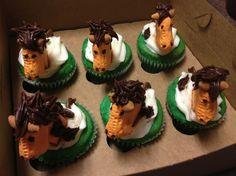 Belmont Stakes Cupcakes! - via Adam Alejandro Mooshian