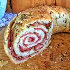 Ainda não ficou perfeito... Sim, sou perfeccionista!!! Eu ajusto as receitas até ficarem do jeito que eu sinta a excelência!!! Os testes na cozinha sem trigo não param!!! Preparem-se para muitos foodporns #semglúten !!! Pra quem quiser se arriscar nesse aqui, basta procurar a receita da minha Pizza no campo de busca do blog (link direto no perfil) ou www.viversemtrigo.blogspot.com.br E procura no YouTube como que enrola, pq não dá pra explicar por aqui!!! #viversemtrigo