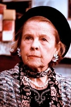 RUTH GORDON Born as Ruth Gordon Jones October 1896 in Quincy, Massachusetts. Died on August 1985 (age in Edgartown, Massachusetts of a stroke. Ruth Gordon, Bright Stars, Aging Gracefully, Celebs, Celebrities, Classic Movies, Actors & Actresses, Quincy Massachusetts, Celebrity