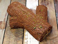 Bûche de Noël – Weihnachtskuchen aus Frankreich Meat, Desserts, Yule Log, Noel, Cacao Powder, Italian Buttercream, France, Dekoration, Tailgate Desserts