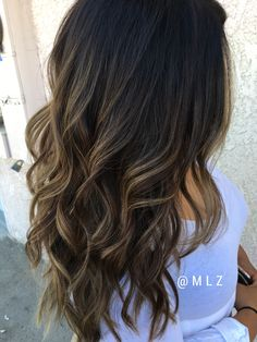 In love with these Balayage. Amazing the rhythm of the hair. #longhair #guytangmydentity #mlzhairandmakeup #olaplex #balayage #caramelbalayage #matrixcolor #hairpainting #wavedhair