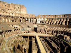 dentro del Coliseo Romano
