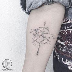 Os estilos mudam com o tempo, até para tatuagens. Hoje em dia, vemos trabalhos incríveis de artistas que fazem desenhos mais geométricos e os pontilhados mais minimalistas e trabalhosos possíveis. A utilização das cores também mostram um trabalho que parece ser feito com tinta guache. A verdade arte na pele. Separamos 20 tatuagens…