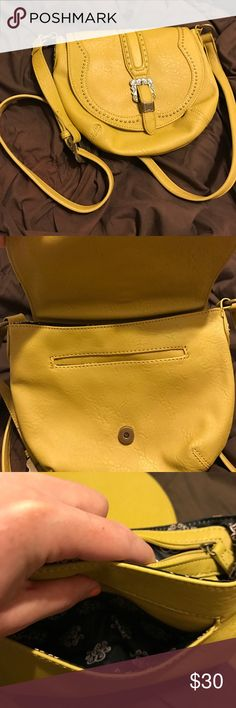 Jessica Simpson Crossbody Adorable Jessica Simpson Crossbody purse. Worn once! Jessica Simpson Bags Crossbody Bags