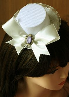 white Moulin Rouge  mini top hat