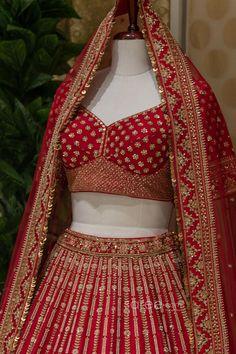 Raw Silk Lehenga, Bridal Lehenga Choli, Lace Border, Floral Design, Indian, Red, How To Wear, Shoulder Bag, Outfits
