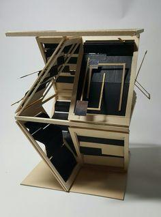<1차완성> 프로토타입 때 제작하였던 병풍의 개념을 발전시키고 싶어서 새롭게 디자인해 보았습니다. 퍼즐과 병풍에서 개념은 '밀폐와 개방'으로 같습니다. 따라서 위의 작품 역시 그런 특성을 반영하였습니다. 경첩을 닫았을 때와 열었을 때의 대비를 컨셉으로 잡고 디자인을 구상하였습니다. 단순한 구조를 피하고자 사선으로 면들을 배치하였습니다. 그리고 작품 에서 풍부한 느낌과 '밀폐와 개방'의 대비를 강하게 주기위해 검은색을 칠해주었습니다.