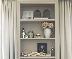 Keeping soft and neutral tones in a home creates a sense of calmness like no other. Adorn your bookshelves with objet d'art from travels around the world. Objects that literally travel you to exotic places and bring those old memories alive.  #innercalmness #wellness #meditation#Interiordesign #MerakiDesign #Meraki #Createanddesign #inspo #design #Style #designinspo #designinspiration #inspiration #interior4all #luxury #Trendsetters #london #brass #metal #mirror #style #pattern #shadows…