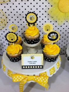 Honey & Bumble Bee themed birthday party with tons of creative food ideas, DIY decorations with printables and favors! Super cute for a Spring party or baby shower too! @birdsparty via BirdsParty.com