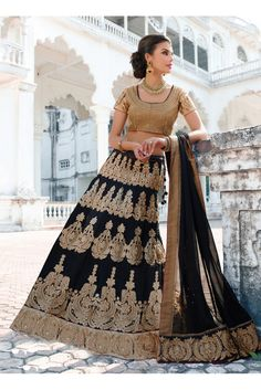 Leemboodi presents a piece to amke you feel ROYAL. @ Rs. 8159 only. Click N Pick