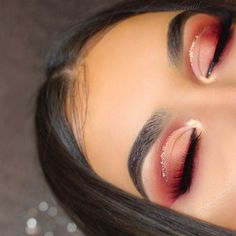 Red eye makeup looks are some of the prettiest makeup ideas! - - Red eye makeup looks are some of the prettiest makeup ideas! Beauty Makeup Hacks Ideas Wedding Makeup Looks for Women Makeup Tips Prom Makeup ideas Cu. Glam Makeup, Red Eyeshadow Makeup, Skin Makeup, Makeup Inspo, Makeup Inspiration, Drugstore Makeup, Makeup Brushes, Eyeshadow Palette, Red Glitter Eyeshadow
