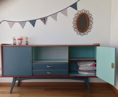 Buffet, vintage row Blue duck and ice blue - Home Page Painted Furniture, Home Decor, Home Deco, Furniture Inspiration, Retro Sideboard, Furniture Makeover, Vintage Furniture, Retro Furniture, Furniture Design