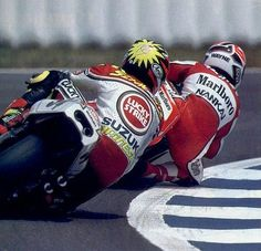 Kevin Schwantz Vs Wayne Rainey. This was around the time I started liking bikes, remember the days before the tv with my dad. Great memories :)