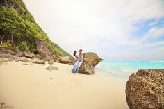 Amazing Bali island Click the picture to see the whole photoshoot! Bali Honeymoon, Honeymoon Destinations, Honeymoon Photography, Island Beach, Travel And Leisure, Islands, Destination Wedding, Beautiful Places, Places To Visit