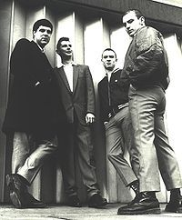 the 4 skins Skinhead Men, Skinhead Boots, Skinhead Fashion, Teddy Boys, Northern Soul, Ben Sherman, Fred Perry, Oi Bands, Punk Rock