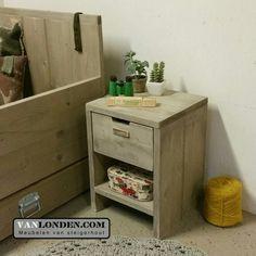 Nachtkastje met lade van steigerhout ... www.vanlonden.com
