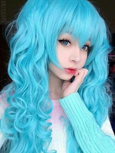 Anzujaamu with blue wig