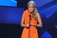 2009 CMA Awards Show the beautiful Carrie Underwood