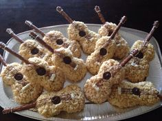 Some #guitar inspired snacks for your favorite musician.