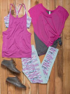Discover Stylish Fitness Apparel & Gear at prices up to Off! Everything you need to feel and look your best while working out! At zulily you'll find something special every day of the week! Womens Workout Outfits, Sport Outfits, Cute Outfits, Fitness Apparel, Fitness Gear, Fitness Motivation, Gym Gear, Running Gear, Fitness Clothing