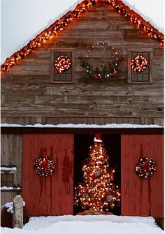 Barn Christmas Decorations are certainly one inseparable portion of the Christmas holidays, without which Christmas would lose it's color, spirit, war. Christmas Tree Farm, Christmas Time Is Here, Merry Little Christmas, Noel Christmas, Outdoor Christmas, Rustic Christmas, Winter Christmas, All Things Christmas, Cowboy Christmas