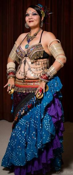 One of the beautiful women of Wildcard Belly Dance - Robin