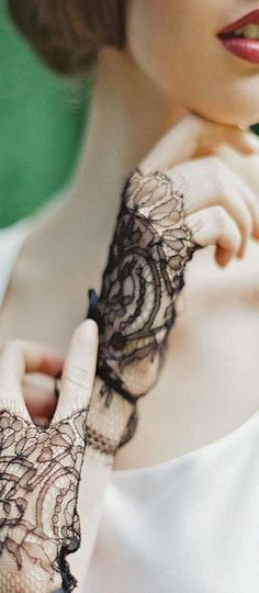 lace gloves ♥✤
