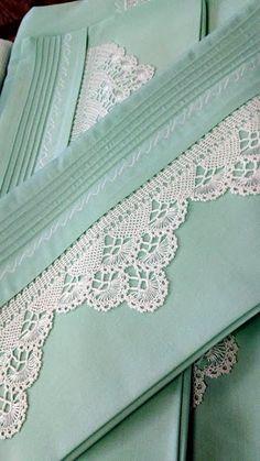 mint colored linens with crochet lace trim Filet Crochet, Crochet Lace Edging, Crochet Borders, Cotton Crochet, Thread Crochet, Crochet Trim, Irish Crochet, Knit Crochet, Crochet Patterns