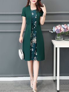 Plus Size Women Daytime Short Sleeve Paneled Floral Dress Plus Size Damen Daytime Short Sleeve Paneled Blumenkleid Batik Fashion, Skirt Fashion, Fashion Dresses, Sewing Clothes Women, Clothes For Women, Cheap Clothes, Plus Size Dresses, Dresses For Work, Casual Dresses