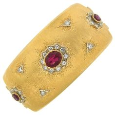 Shop diamond and gold bangles and other vintage and antique bracelets from the world's best jewelry dealers. Gems Jewelry, Cute Jewelry, Jewelry Box, Jewellery, Gold Bangle Bracelet, Diamond Bracelets, Silk Bangles, Thread Bangles, Lapis Lazuli Jewelry