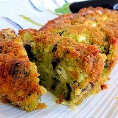 Cake à l'aubergine, pesto et féta No Salt Recipes, Great Recipes, Healthy Recipes, Salty Foods, Just Eat It, Greens Recipe, Meal Planner, Love Food, Muffins