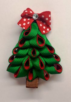 This festive hair clip is attched to an alligator clip and is inches tall. The holiday season is just around the corner. This festive hair clip is attched to an alligator clip and is inches tall. The holiday season is just around the corner. Christmas Tree Hair, Christmas Hair Bows, Christmas Crafts, Ribbon Art, Ribbon Hair Bows, Ribbon Crafts, Ribbon Flower, Christmas Accessories, Diy Hair Accessories