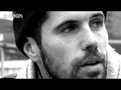 ▶ Nick Mulvey The Trellis - YouTube this guy is SO fab