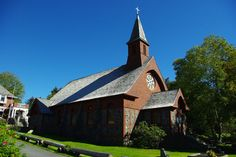 Peter's by-the-Sea Episcopal Church Sitka Alaska, Episcopal Church, North America, Cabin, Sea, House Styles, Places, Cabins, The Ocean