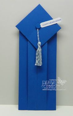 handmade graduation card ... cap and gown ... money holder inside ... tutorial with measurements on the blog ...