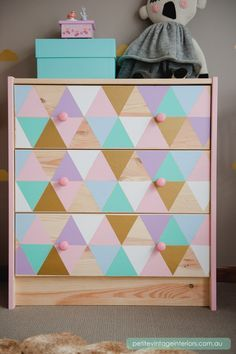 From PETITE VINTAGE INTERIORS: Geometric drawer decals #DIY #adelinecrafts #getcreative